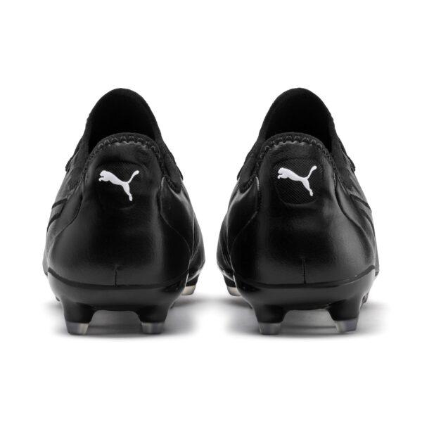 scarpe da calcio Puma morbidissima tomaia in pelle di canguro e una suola leggera in poliuretano termoplastico con tacchetti conici Adatta alle superfici naturali compatte
