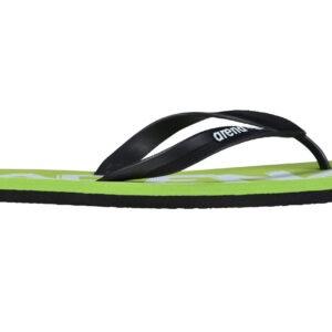 nfradito Arena modello classico di calzature per l'estate e lo sport con plantare imbottito suola dalle elevate proprietà antiscivolo. Rifinito con un cinturino sottile e contraddistinto dalla stampa del logo Arena