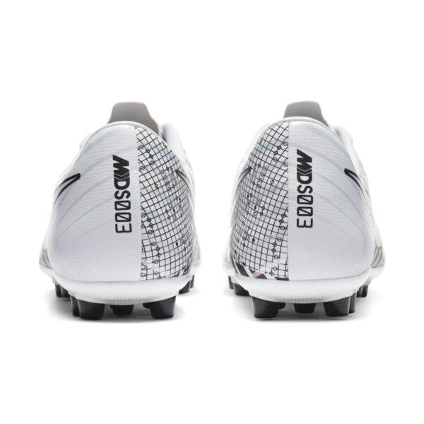 scarpa da calcio Nike Mercurial Vapor 13 Academy MDS AG morbido materiale sintetico piatto suola specializzato assicura la massima trazione